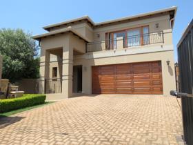 3 Bedroom Townhouse to rent in Chancliff Ridge - Krugersdorp