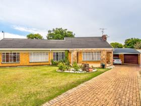 House - Kempton Park