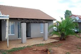 3 Bedroom House For rent in Northam A Good Address  A Modern family home in Ext 6  The 3 bedroom house with spacious bedrooms and open ...