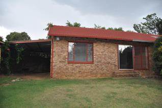 1 Bedroom Apartment / flat to rent in Strubensvallei - Roodepoort