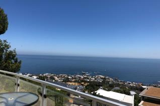 3 Bedroom Townhouse to rent in Camps Bay - Cape Town