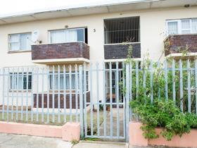 2 Bedroom Apartment / flat for sale in Adcockvale - Port Elizabeth
