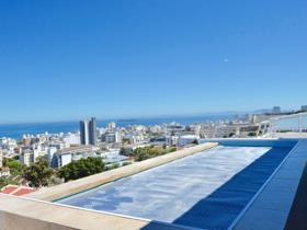 2 Bedroom Townhouse to rent in Fresnaye - Cape Town