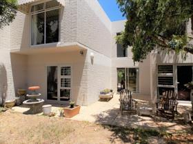 4 Bedroom Townhouse to rent in Tokai - Cape Town
