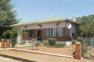 4 Bedroom House for sale in Jagersfontein - Jagersfontein