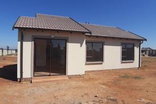 Lovely family house with 3 bedroom 2 bathroom, kitchen and a nice lounge this is a good ...