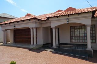 4 Bedroom House for sale in Thohoyandou - Thohoyandou