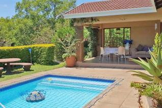 Country living at its best, immaculate family home set in a quiet cul-de-sac in the peaceful suburb of Crestholme. Come home to this ...