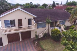 This  spacious 5 bedroom home is Situated  in the upmarket suburb of Kaffrarian Heights and is within easy reach of leading schools and ...