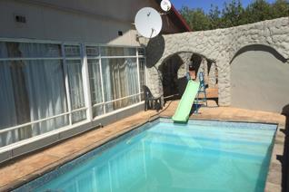 4 Bedroom House to rent in Olifantshoek - Olifantshoek