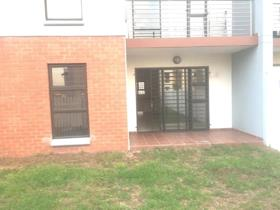 2 Bedroom Townhouse to rent in Barbeque Downs - Midrand