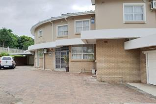 Large family home on a corner level stand.  This double storey home offers 6 bedrooms, 3 bathrooms. Lower level has 3 bedrooms, 1 ...