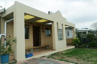3 bedroom house for sale in glenhills, stanger.