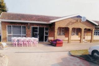 BEAUTIFUL 3 BEDROOM HOUSE FOR SALE IN LARKFIELD, STANGER,KZN  This beautiful home has 3 fully fitted bedrooms, 2 ensuite and 1 main ...