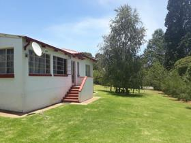 3 Bedroom House for sale in Dullstroom - Dullstroom