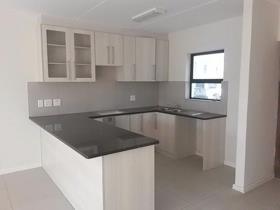 3 Bedroom Townhouse to rent in Parklands North - Blouberg