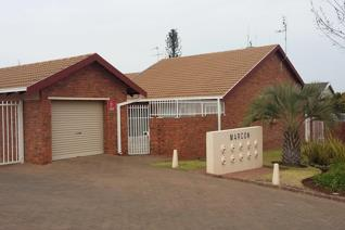 2 Bedroom Townhouse to rent in Heuwelsig - Bloemfontein