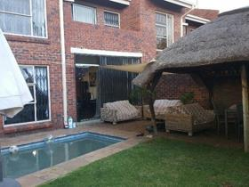 3 Bedroom Townhouse to rent in Vanderbijlpark SE 3 - Vanderbijlpark