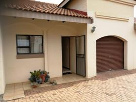 2 Bedroom Townhouse to rent in Die Bult - Potchefstroom
