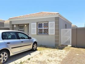 House - Strandfontein