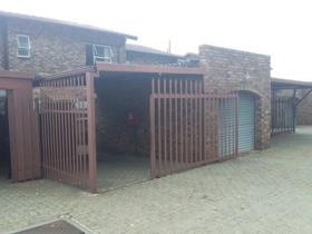 3 Bedroom Townhouse to rent in Edleen - Kempton Park