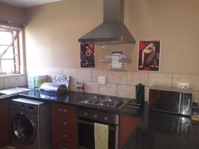 2 Bedroom Townhouse to rent in Celtisdal - Centurion