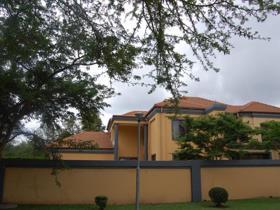 4 Bedroom House for sale in Silver Lakes Golf Estate - Pretoria