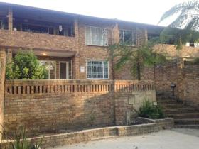 2 Bedroom Townhouse to rent in Boskruin - Randburg