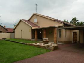 4 Bedroom House for sale in Secunda - Secunda