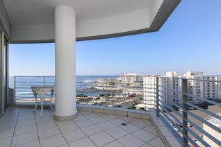 Top floor with sensational sea views in Horizons retirement complex!  Exceptional sea ...