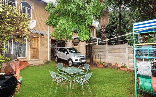 3 Bedroom Townhouse for sale in Silverton