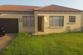 3 Bedroom Townhouse to rent in Jackaroo A H - Witbank