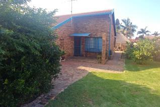3 Bedroom Townhouse to rent in Montana Park - Pretoria