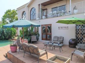 4 Bedroom House for sale in Glenvista - Johannesburg