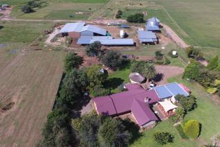 A highly productive irrigation and cattle farm of 830 ha just outside Lichtenburg. 202ha under Valley pivots with water rights. The ...