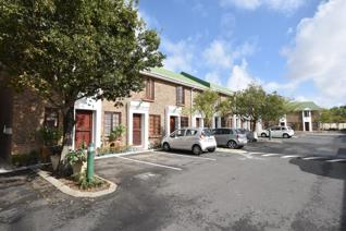 Lovely duplex apartment for rent in a tranquil complex in central Durbanville. This unit ...