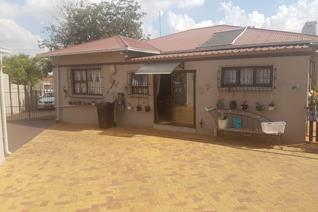 3 Bedroom House for sale in Primrose - Germiston