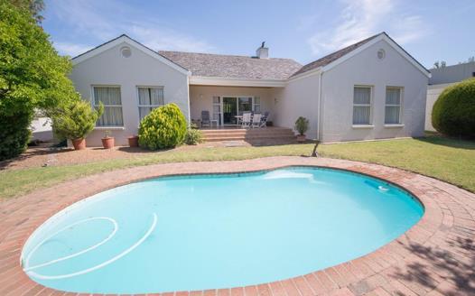 3 Bedroom House for sale in Erinvale Golf Estate