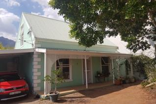 3 Bedroom House to rent in Franschhoek - Franschhoek