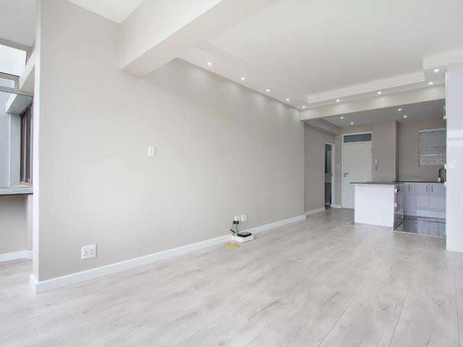 Listing number: P24-107302356, Image number: 1, lounge