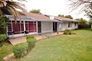 Well built spacious three bedroom home in quiet Free State town. The property includes a vacant stand adjacent to the property. This ...