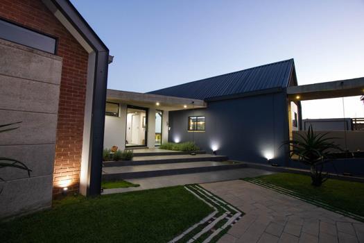 4 Bedroom House for sale in Berg En Dal