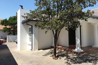 Commercial property to rent in Moreleta Park - Pretoria
