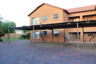 3 Bedroom Apartment / flat to rent in Ruimsig - Roodepoort