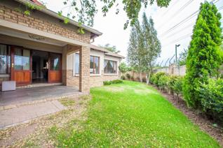 2 Bedroom Townhouse for sale in Carlswald Meadows - Midrand