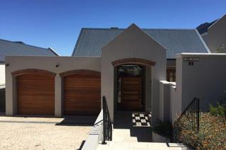 This immaculate family home is situated on Fransche Hoek Estate with exceptional views ...
