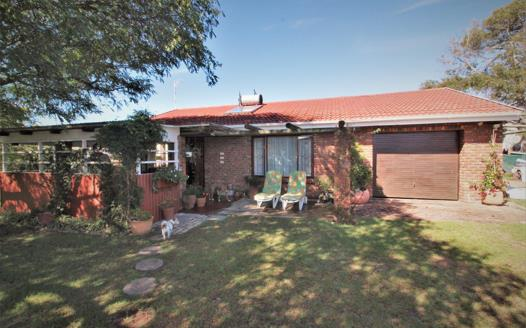 2 Bedroom House for sale in Bowtie