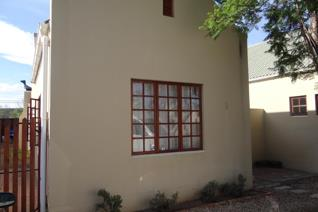 3 Bedroom House for sale in Hospital Hill - Beaufort West