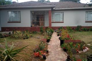 3 Bedroom House to rent in Grahamstown Central - Grahamstown