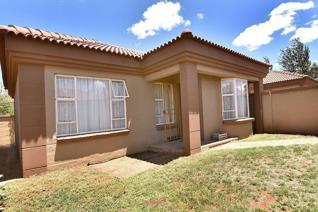 2 Bedroom Apartment / flat to rent in Heuwelsig - Bloemfontein